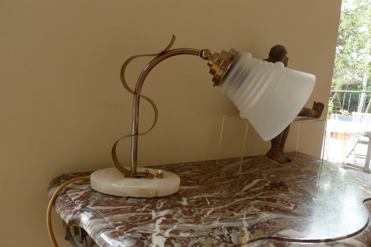 lampe de table art d co socle en marbre blanc. Black Bedroom Furniture Sets. Home Design Ideas